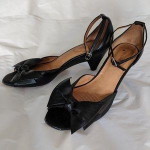 Corso Como Peep Toe Bow Kitten Heels